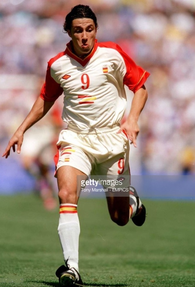 Spain-2000-FUMAREL-olympic-away-kit-Jose-Mari.jpg
