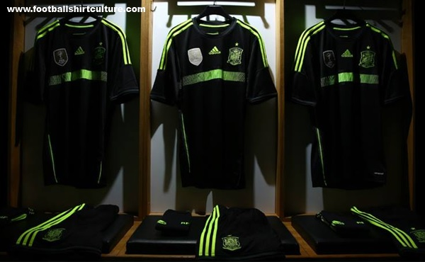 Spain-2014-adidas-world-cup-away-kit-2.jpg