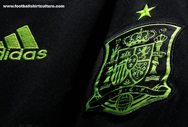 Spain-2014-adidas-world-cup-away-kit-6.jpg
