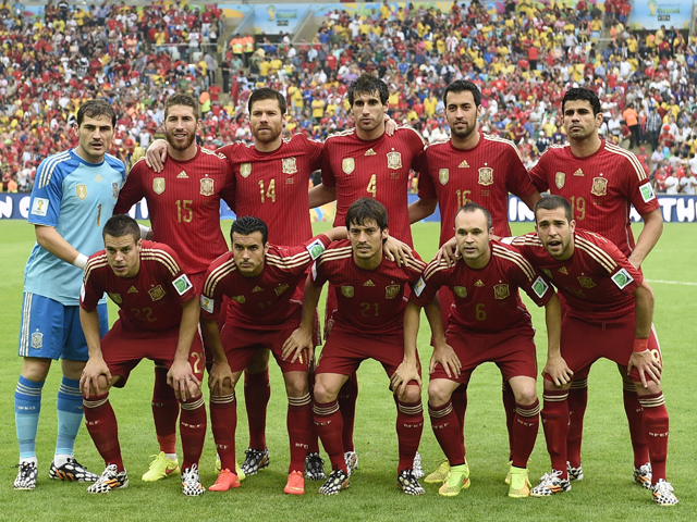 Spain-2014-adidas-world-cup-home-kit-red-red-red-line-up.jpg