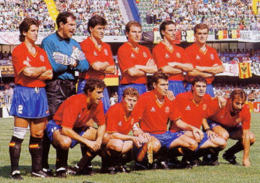 Spain-90-Le coq-home-kit-red-blue-black-line-up.jpg