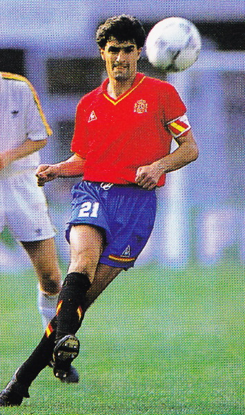 Spain-90-Le coq-home-kit-red-blue-black.jpg