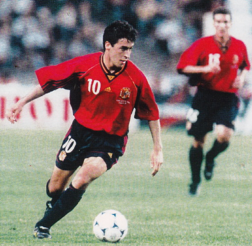 Spain-98-99-adidas-home-kit-red-black-black.jpg