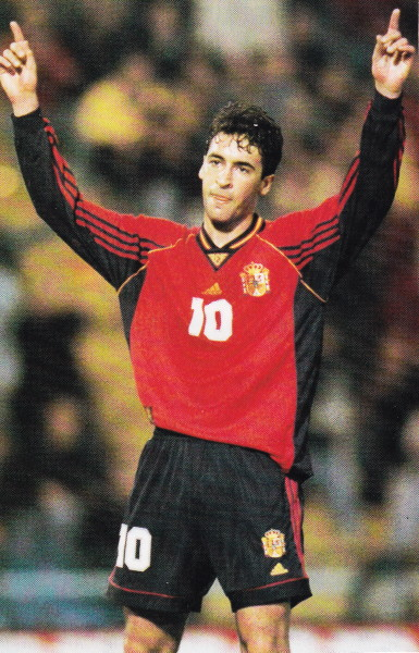 Spain-98-adidas-home-kit-red-black-black.jpg