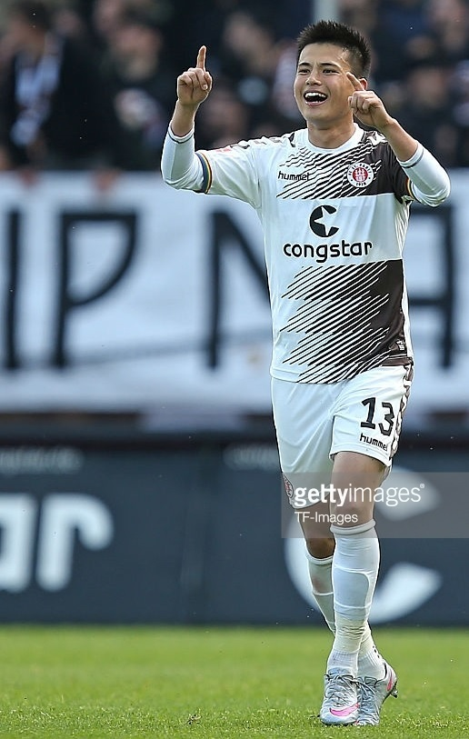 St.-Pauli-2015-16-hummel-away-kit-宮市亮.jpg