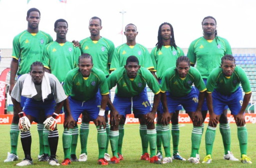 St. Vincent-Grenadines-10-HEALY-away-kit-green-blue-green-line-up.jpg
