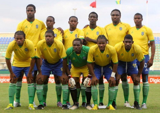 St. Vincent-Grenadines-10-HEALY-home-kit-yellow-blue-green-line-up.jpg