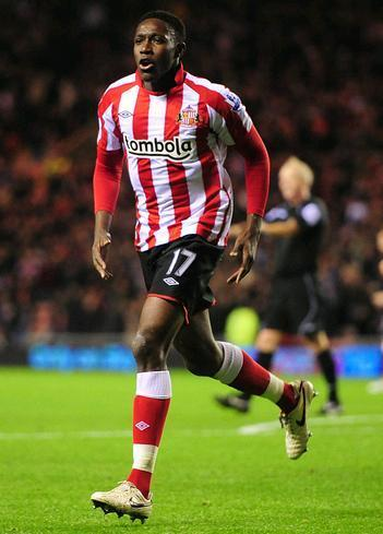 Sunderland-10-11-UMBRO-first-kit-Danny-Welbeck.JPG