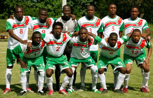 Suriname-11-12-KELME-home-kit-white-green-white-line-up.jpg