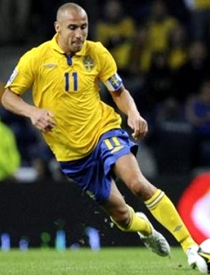 Sweden-09-10-UMBRO-uniform-yellow-blue-yellow.JPG