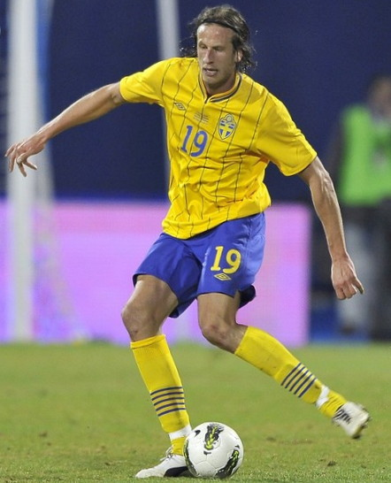 Sweden-12-13-UMBRO-home-kit-yellow-blue-yellow.jpg