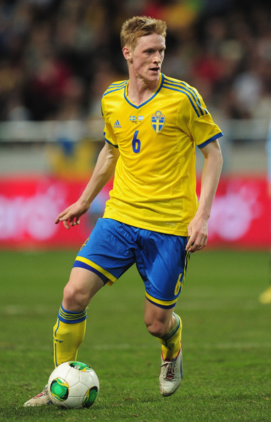 Sweden-13-14-adidas-home-kit-yellow-blue-yellow.jpg