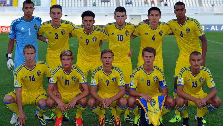 Sweden-13-adidas-home-kit-yellow-yellow-yellow-line-up.jpg