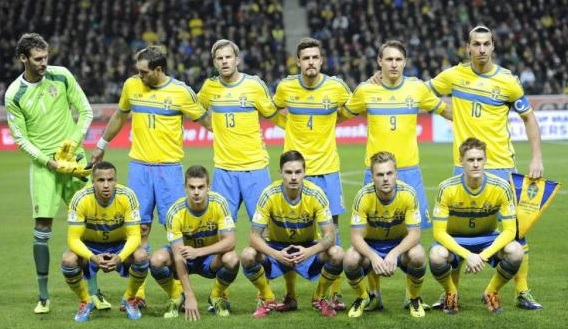 Sweden-14-15-adidas-home-kit-yellow-blue-yellow-line-up.jpg
