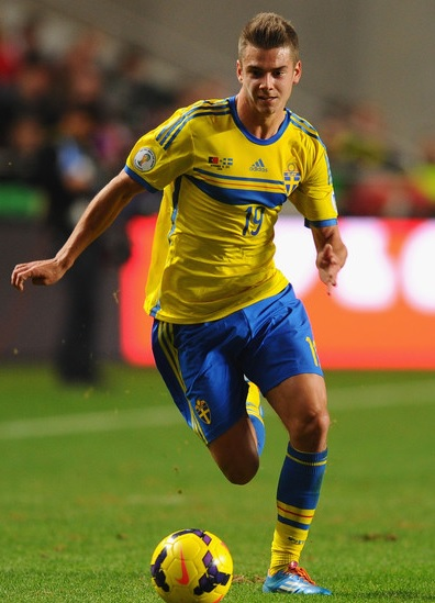 Sweden-14-15-adidas-home-kit-yellow-blue-yellow.jpg