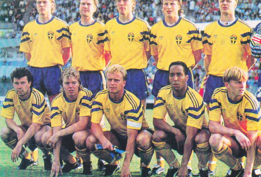 Sweden-91-adidas-home-kit-yellow-blue-yellow-line-up.jpg