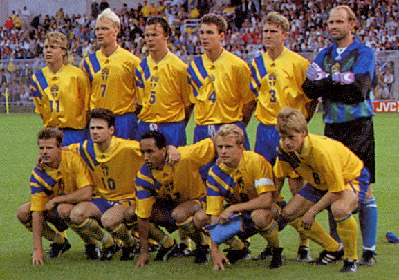 Sweden-92-adidas-home-kit-yellow-blue-yellow-line-up.jpg