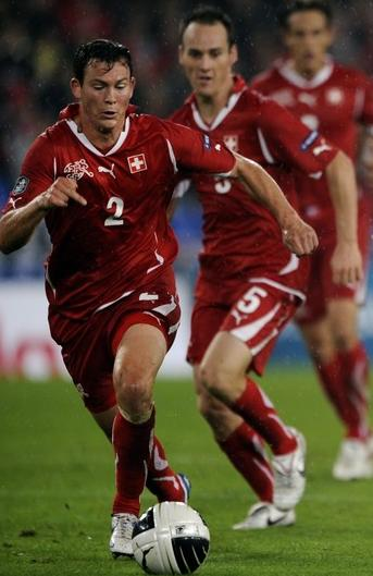 Switzerland-10-11-PUMA-home-kit-red-red-red.JPG