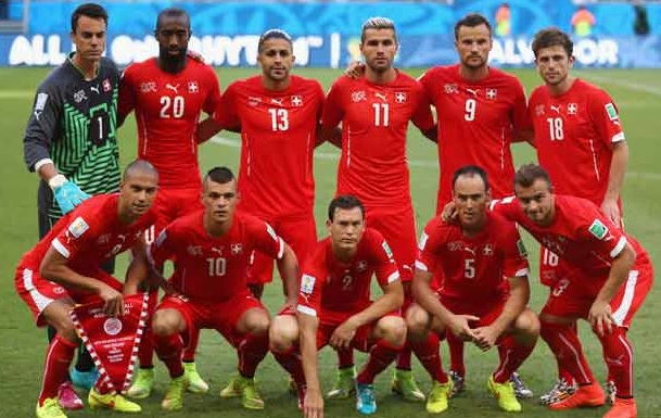 Switzerland-14-15-PUMA-home-kit-red-red-red-line-up.jpg