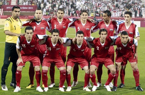 Syria-11-DIADORA-home-kit-red-red-red-line up.jpg