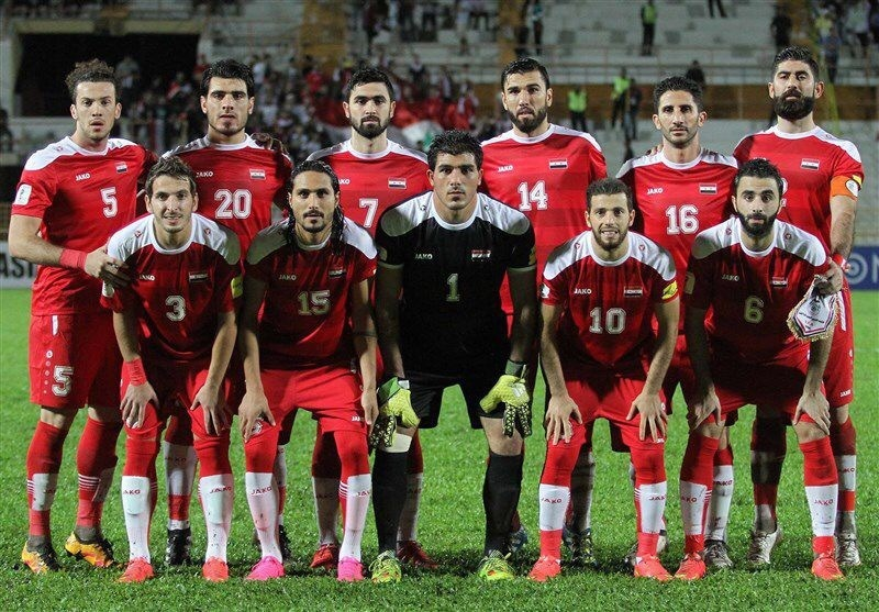 Syria-2016-17-JAKO-home-kit-red-red-red-line-up.jpg