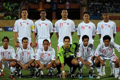 Tahiti-09-lotto-away-kit-white-white-white-line-up.jpg