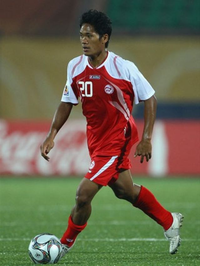 Tahiti-12-lotto-home-kit-red-red-red.jpg