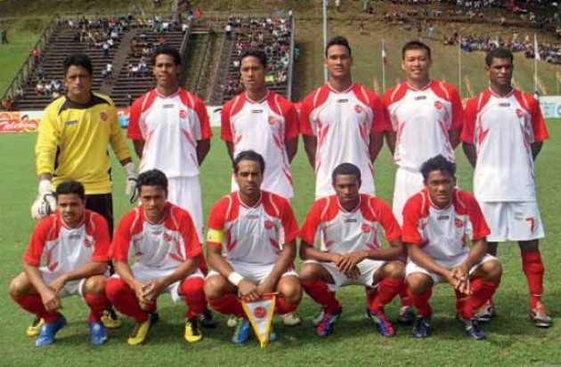 Tahiti-12-lotto-home-kit-white-white-red-line-up.jpg