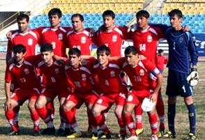 Tajikistan-11-NIKE-home-kit-red-red-red-line-up.JPG