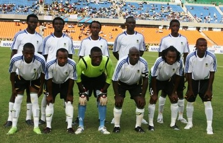 Tanzania-09-adidas-away-kit-white-black-white-line-up.jpg