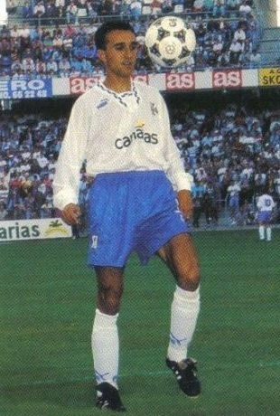 Tenerife-1994-95-PUMA-home-kit.jpg