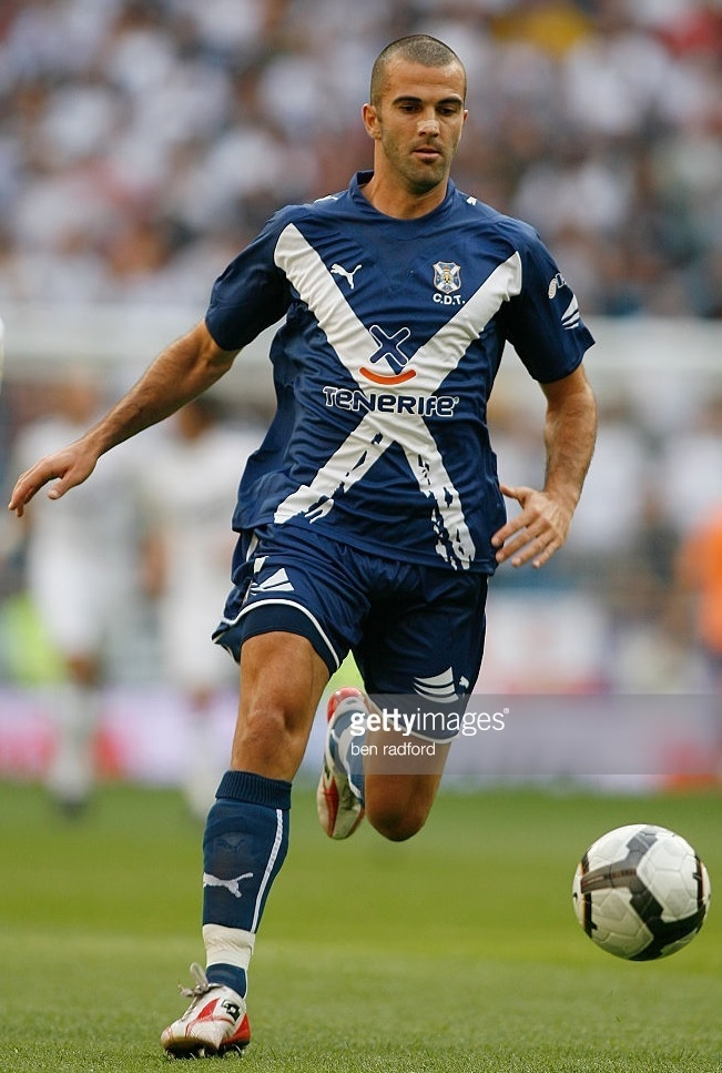 Tenerife-2009-10-PUMA-away-kit-navy-navy-navy.jpg