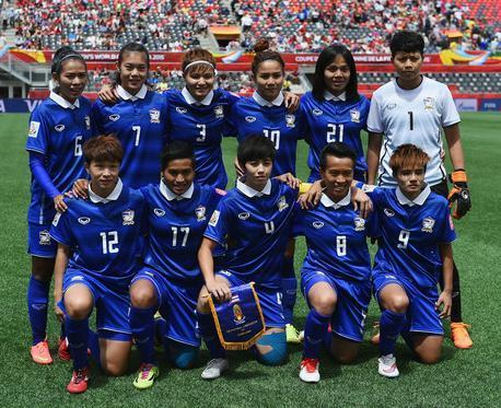 Thailand-2015-GRAND-SPORT-women-away-kit-blue-blue-blue-line-up.jpg