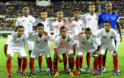 Timor-Leste-2010-no-name-away-kit-white-white-red-line-up.jpg
