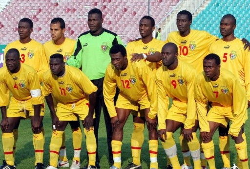 Togo-05-06-PUMA-home-kit-yellow-yellow-yellow-line-up.jpg