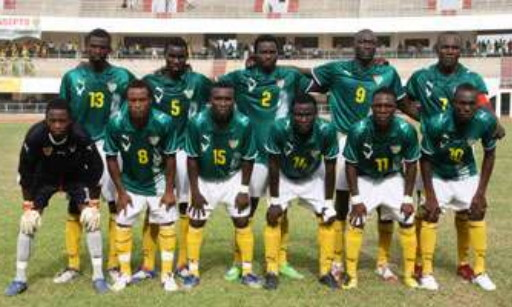 Togo-08-09-PUMA-away-kit-green-white-yellow-line-up.jpg