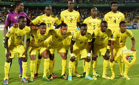 Togo-12-13-PUMA-home-kit-yellow-yellow-yellow-line-up.jpg
