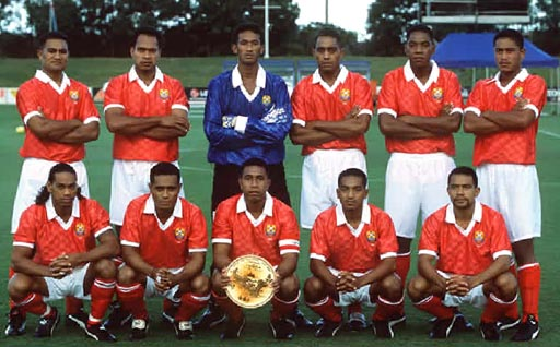 Tonga-01-unknown-home-kit-red-white-red-line-up.JPG