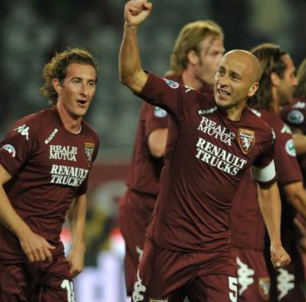Torino-FC-08-09-Kappa-home-kit-dark-red-dark-red-dark-red.jpg