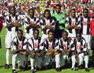 Trinidad-and-Tobago-00-02-L-SPORT-away-kit-stripe-white-white-line-up.jpg