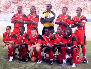 Trinidad-and-Tobago-04-05-FinTA-home-kit-red-red-red-line-up-2.jpg