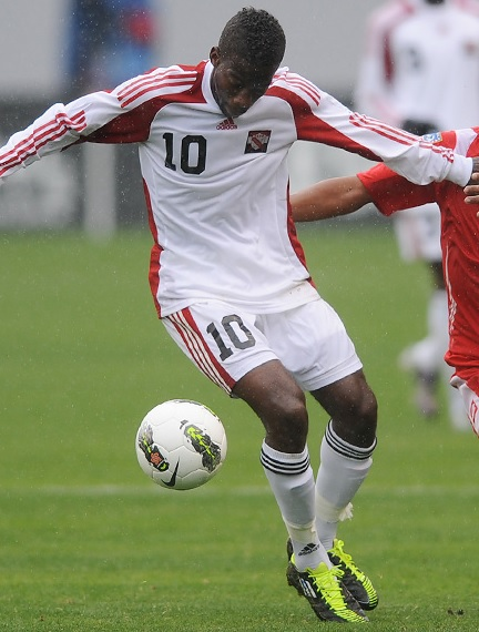 Trinidad-and-Tobago-08-09-adidas-away-kit-white-white-white-2.jpg