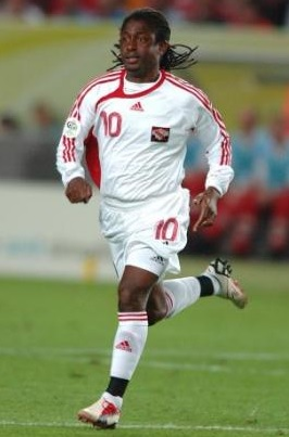 Trinidad-and-Tobago-08-09-adidas-away-kit-white-white-white.jpg