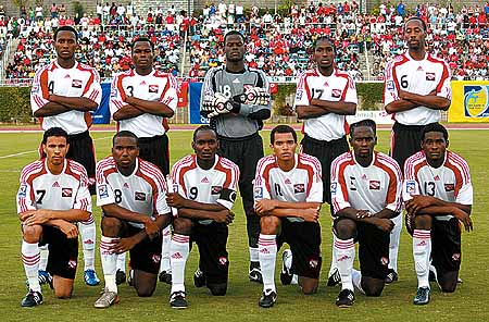 Trinidad-and-Tobago-09-adidas-away-kit-white-black-white-line-up.jpg