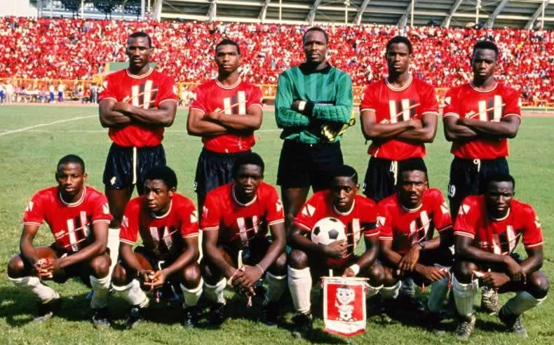 Trinidad-and-Tobago-1989-home-kit-red-black-white-line-up.jpg