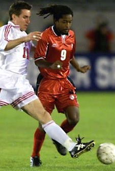 Trinidad-and-Tobago-2000-atletica-home-kit-red-red-red.jpg