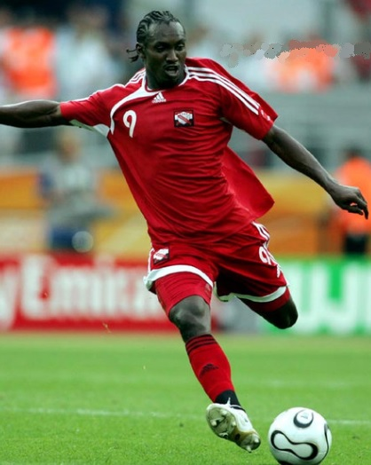 Trinidad-and-Tobago-2006-adidas-home-kit-red-red-red.jpg