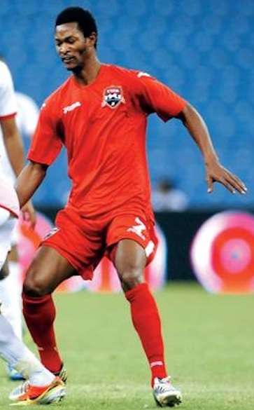 Trinidad-and-Tobago-2013-Joma-home-kit-red-red-red.jpg