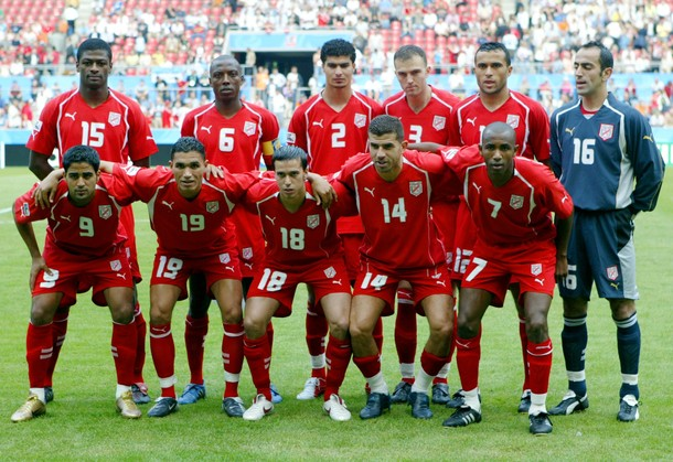Tunisia-05-PUMA-away-kit-red-red-red-line-up.JPG