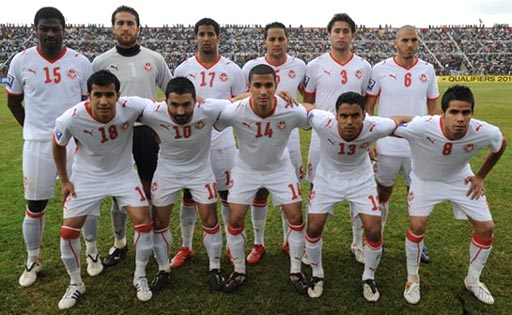 Tunisia-08-09-PUMA-uniform-white-white-white-group.jpg